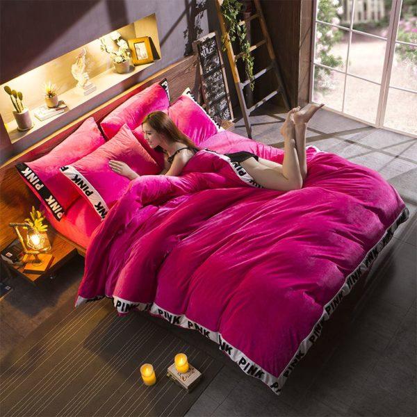 Victorias Secret Velvet Warm Tower Style Embroidery Bedding Set ASSH SMH 6 600x600 - Victoria's Secret Velvet Warm Tower Style Embroidery Bedding Set ASSH-SMH