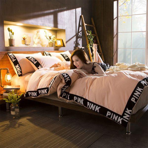 Victorias Secret Velvet Warm Tower Style Embroidery Bedding Set ASSH YS 5 600x600 - Victoria's Secret Velvet Warm Tower Style Embroidery Bedding Set ASSH-YS
