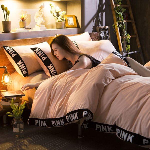 Victorias Secret Velvet Warm Tower Style Embroidery Bedding Set ASSH YS 6 600x600 - Victoria's Secret Velvet Warm Tower Style Embroidery Bedding Set ASSH-YS