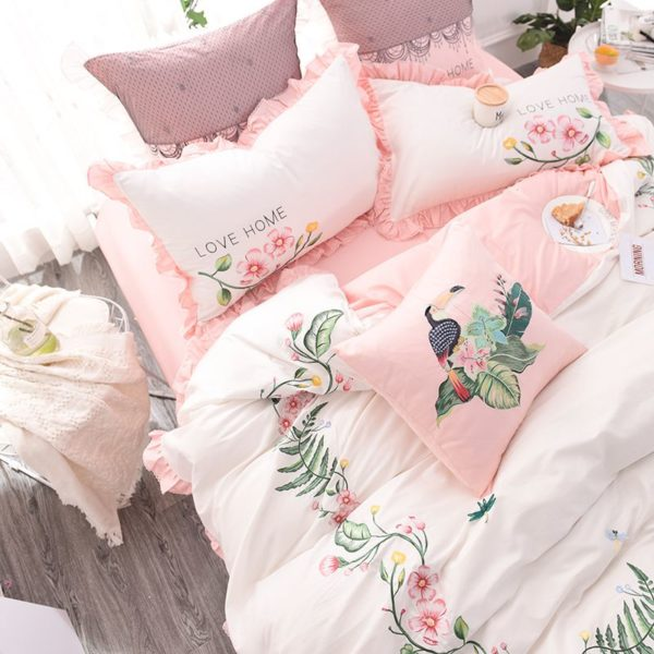 Exquisite Pink White Embroidery Bedding Set 2 600x600 - Exquisite Pink & White Embroidery Bedding Set