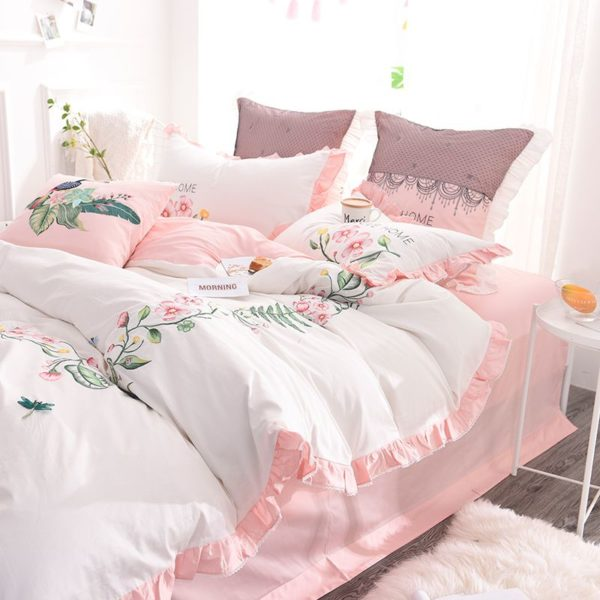 Exquisite Pink White Embroidery Bedding Set 4 600x600 - Exquisite Pink & White Embroidery Bedding Set