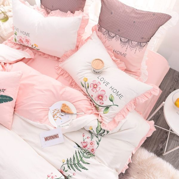 Exquisite Pink White Embroidery Bedding Set 5 600x600 - Exquisite Pink & White Embroidery Bedding Set