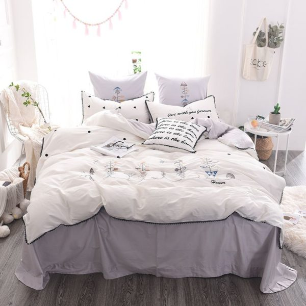 Luxurious White Egyptian Cotton Embroidery Bedding Set 1 600x600 - Luxurious White Egyptian Cotton Embroidery Bedding Set