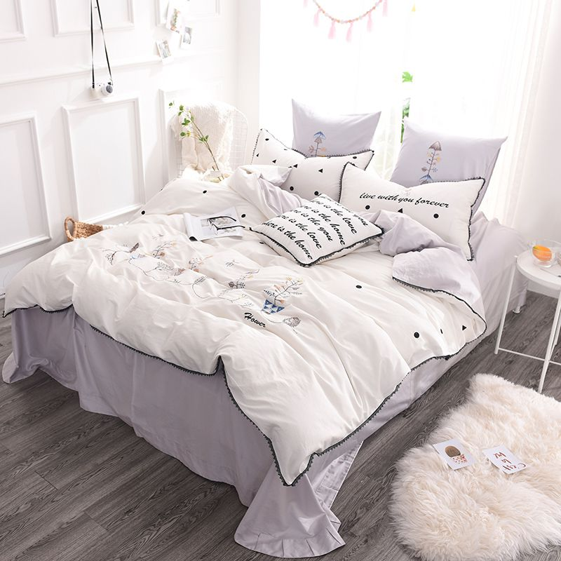Luxurious white egyptian cotton embroidery bedding set for Luxury cotton comforter sets