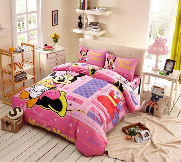 Beautiful Minnie Mouse Bedding Set Twin Queen Size 1