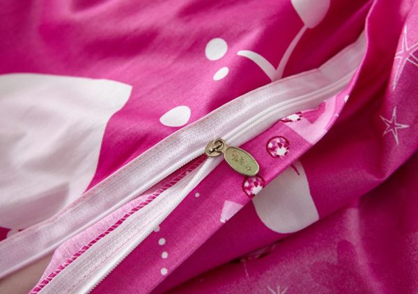 Belle and Aurora Disney Princess Bedding Set 5 600x423 - Belle and Aurora Disney Princess Bedding Set
