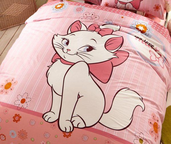 Cheerful Light Pink Marie Cat Bedding Set 2