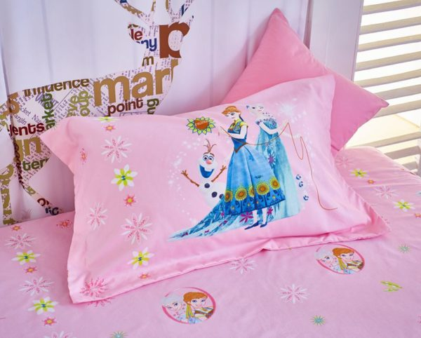 Disney Frozen Kids Comforter Set 7 600x482 - Disney Frozen Kids Comforter Set