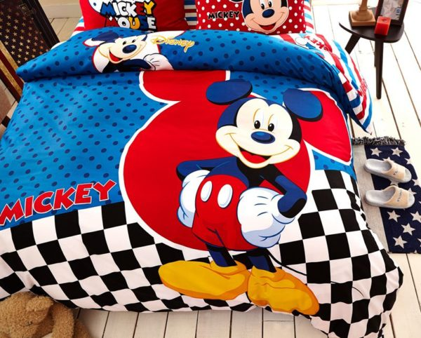 Disney Mickey Mouse Bedding Set For Teen Boys Kids Bedroom 3 600x482 - Disney Mickey Mouse Bedding Set For Teen Boys Kids Bedroom