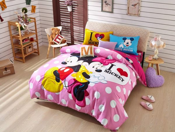 Disney Mickey Mouse Minnie Mouse Teen Bedding Set 1 600x455 - Disney Mickey Mouse Minnie Mouse Teen Bedding Set