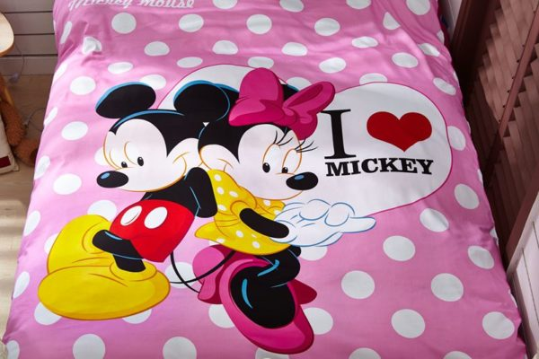 Disney Mickey Mouse Minnie Mouse Teen Bedding Set 3 600x400 - Disney Mickey Mouse Minnie Mouse Teen Bedding Set