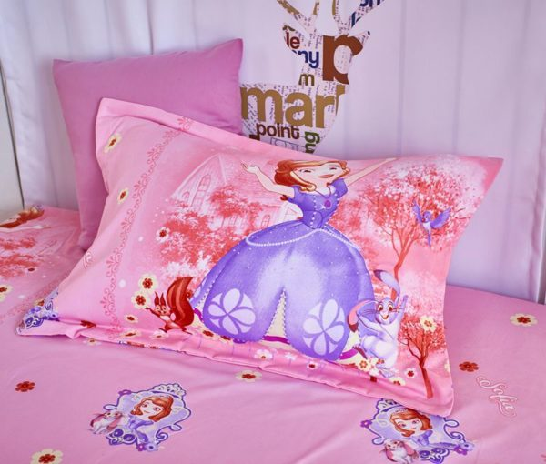 Disney Princess bedspreads set for teenage gir 7 600x510 - Disney Princess Bedspreads Set for Teenage Girls Bedroom