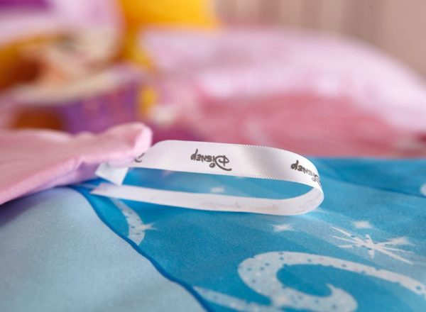 Disney Princess girls room bedding Set 9 600x440 - Disney Princess Girls Room Bedding Set