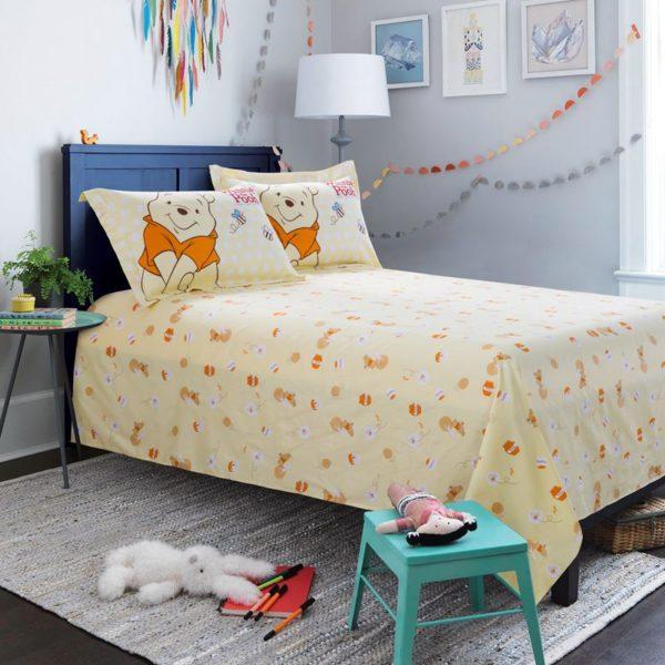 Disney Winnie The Pooh Birthday Gift Bedding Set 2 600x600 - Disney Winnie The Pooh Birthday Gift Bedding Set