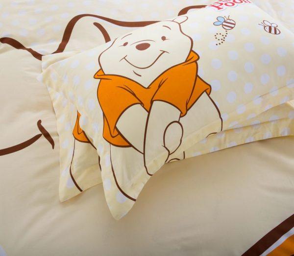 Disney Winnie The Pooh Birthday Gift Bedding Set 7 600x523 - Disney Winnie The Pooh Birthday Gift Bedding Set