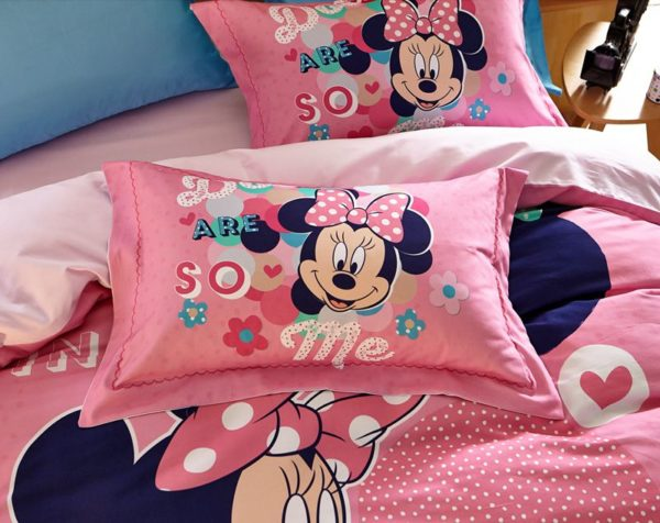 Dotty Minnie Mouse Bedding Set 4 600x476 - Dotty Minnie Mouse Bedding Set