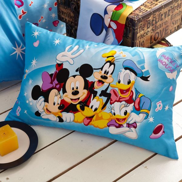 Light Sky Blue Color Mickey and Friends Bedding Set 5 600x600 - Light Sky Blue Color Mickey and Friends Bedding Set