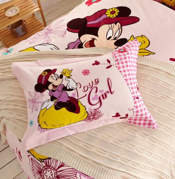 Love Girl Minnie Mouse Bedding Set Twin Queen Size 5 600x611 - Love Girl Minnie Mouse Bedding Set Twin Queen Size