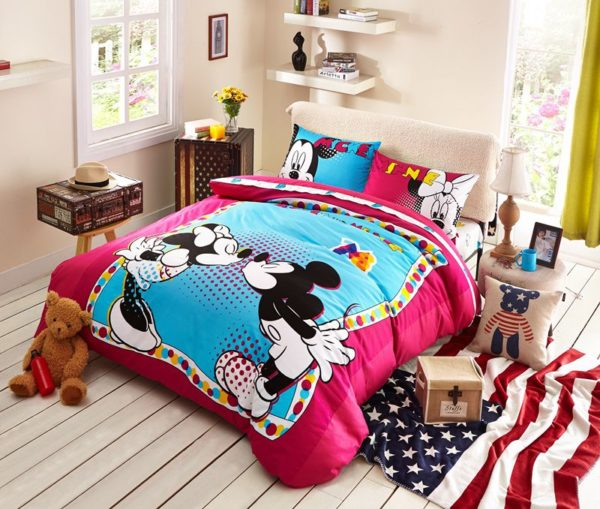 Lovely Mickey Minnie Mouse Kids Bedding Set 1 600x509 - Lovely Mickey & Minnie Mouse Kids Bedding Set