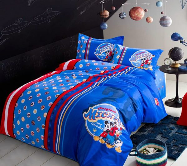 Mickey Mouse and Friends Movie Themed Comforter Set