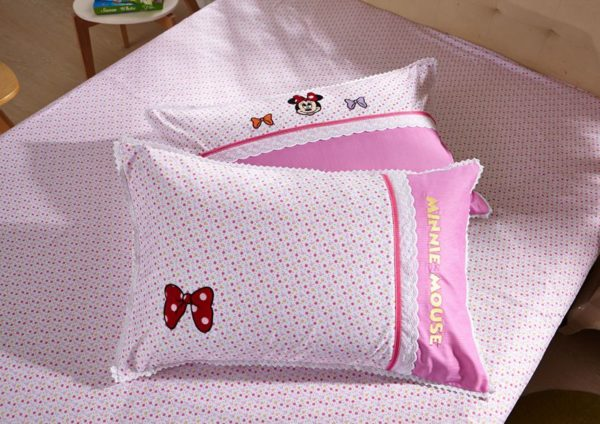 Minnie Mouse Girls Queen twin size bedding set 6 600x424 - Minnie Mouse Girls Queen Twin Size Embroidery Bedding Set