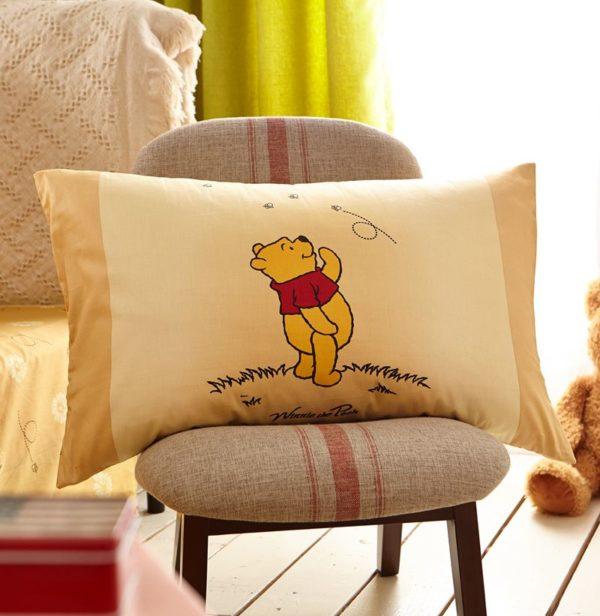 NavajoWhite Color Winnie Pooh Bedding Set 6 600x616 - Navajowhite Color Winnie Pooh Bedding Set