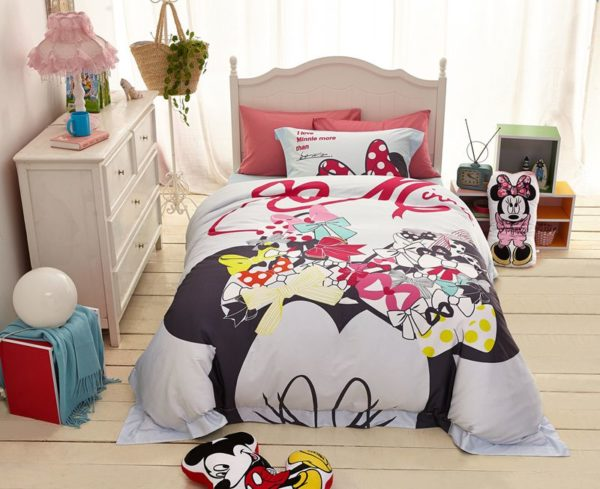 disney mickey mouse bed set for adults 5 600x489 - Disney Mickey Mouse Bed Set for Adults
