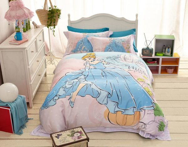 disney princess cinderella movie themed bedding set 10 600x470 - Disney Princess Cinderella Movie Themed Bedding Set