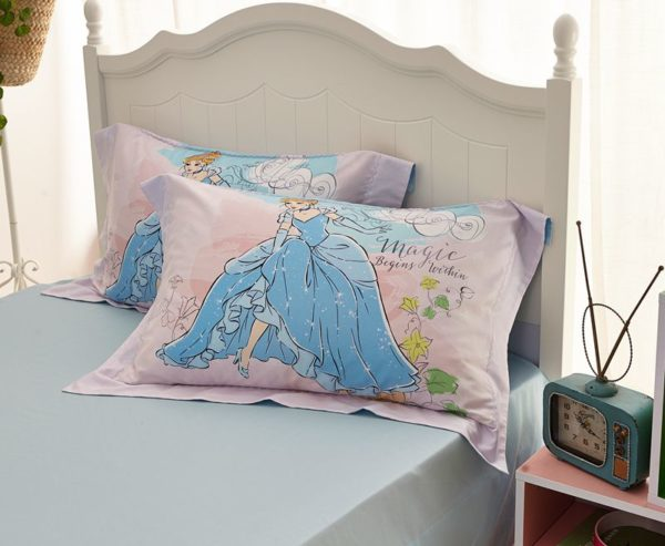 disney princess cinderella movie themed bedding set 8 600x493 - Disney Princess Cinderella Movie Themed Bedding Set