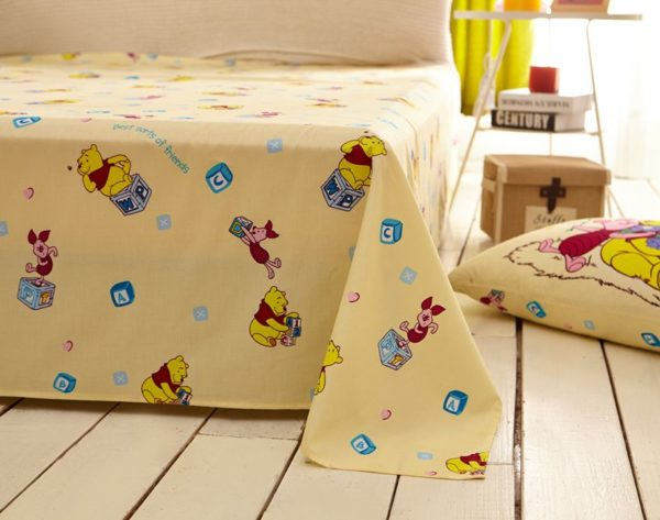 disney winnie the pooh and piglet Bedding Birthday gift 2 600x473 - Disney Winnie the Pooh and Piglet Bedding Birthday Gift
