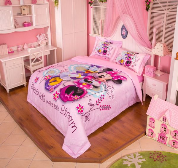 Minnie Mouse and Donald Duck Bedding Set