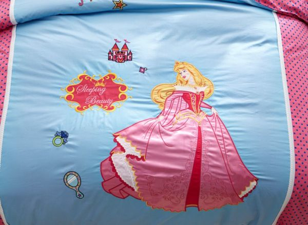 sleeping beauty princess aurora Bedding set 5 600x440 - Sleeping Beauty Princess Aurora Embroidery Bedding Set
