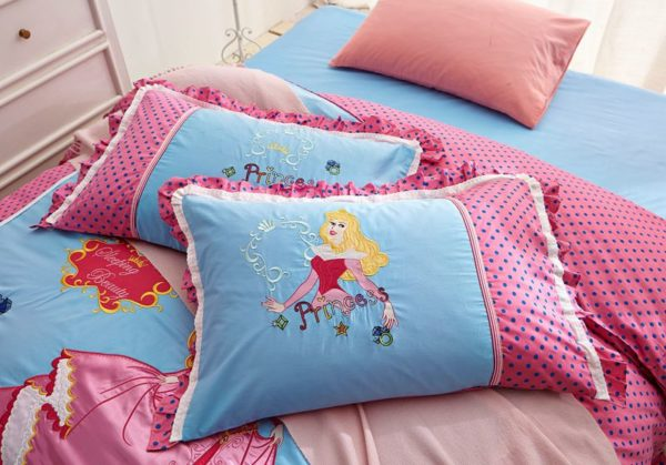 sleeping beauty princess aurora Bedding set 6 600x419 - Sleeping Beauty Princess Aurora Embroidery Bedding Set