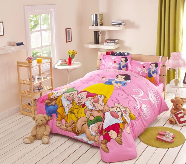 Snow White and the Seven Dwarfs Movie Themed Bedding Set