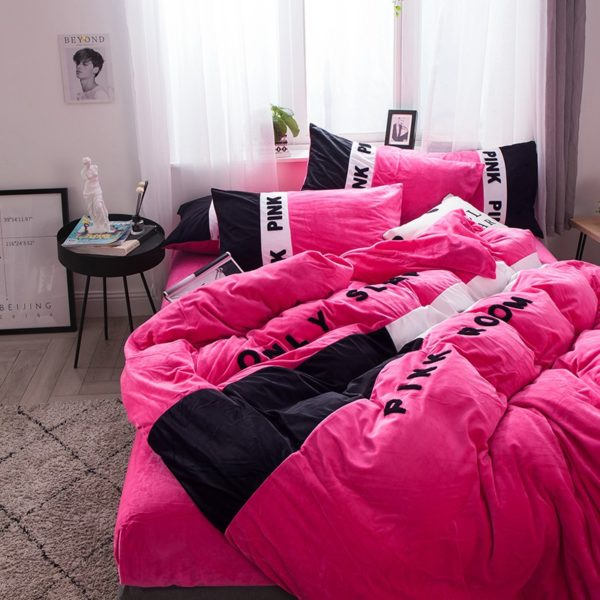 Victorias Secret Pink Embroidery Flannel Bedding Set Model 4 4 600x600 - Victoria's Secret Pink Embroidery Flannel Bedding Set - Model 4