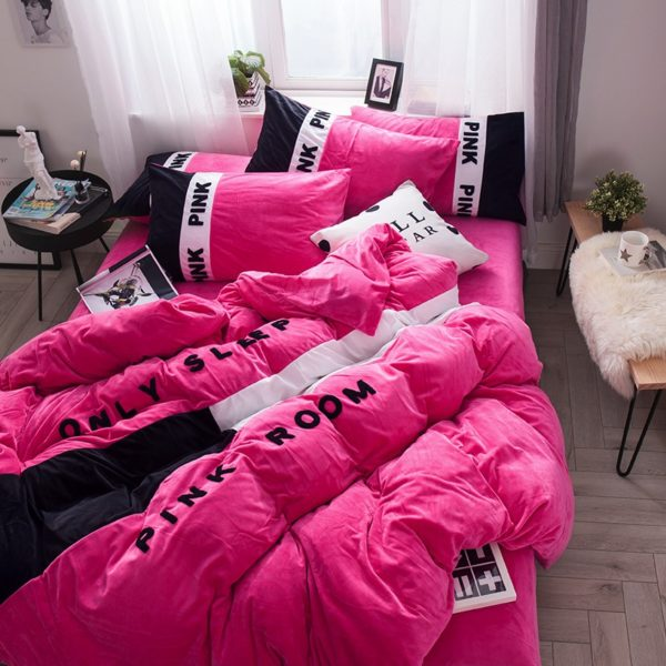 Victorias Secret Pink Embroidery Flannel Bedding Set Model 4 5 600x600 - Victoria's Secret Pink Embroidery Flannel Bedding Set - Model 4