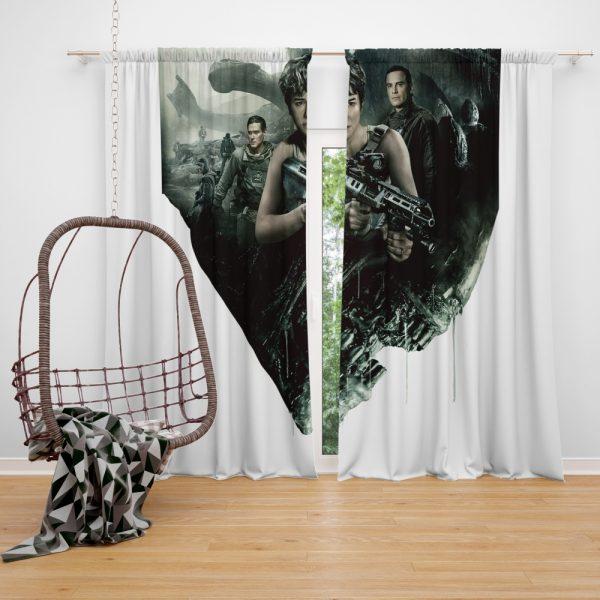 Alien Covenant Movie Katherine Waterston Michael Fassbender Xenomorph Window Curtain