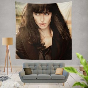 Angelina Jolie in Salt Movie 2010 Wall Hanging Tapestry